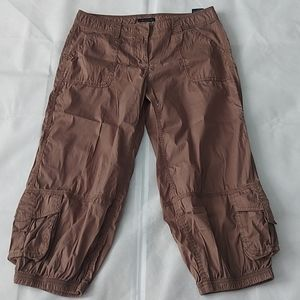 Tommy Hilfiger Cargo Capri brown pants sz 6